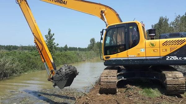 بیش از ۲۳ کیلومتر از رودخانه های استان در جهت آبگذری سیلاب لایروبی شد