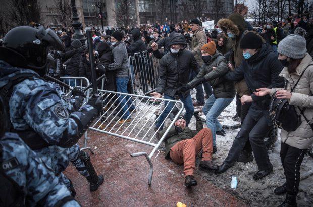 ماجرای تظاهرات گسترده در روسیه چیست؟/آیا ناوالنی محبوبیت پوتین را به حاشیه می برد؟
