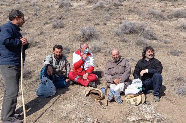 نجات دامدار ۷۰ ساله از صخره های صعب العبور ارتفاعات شهرستان رودبار