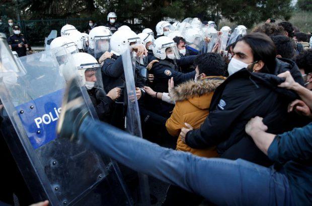 ماجرای اعتراضات دانشجویان در ترکیه چیست؟/آیا اردوغان با کودتای نرم روبه رو خواهد شد؟