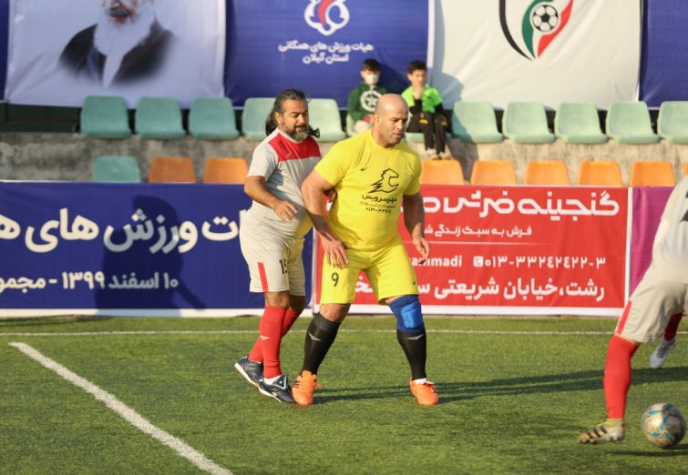 گزارش تصویری دیدار مینی فوتبال هنرمندان و ورزشکاران گیلان با درخشش پروازهمای و فردین معصومی