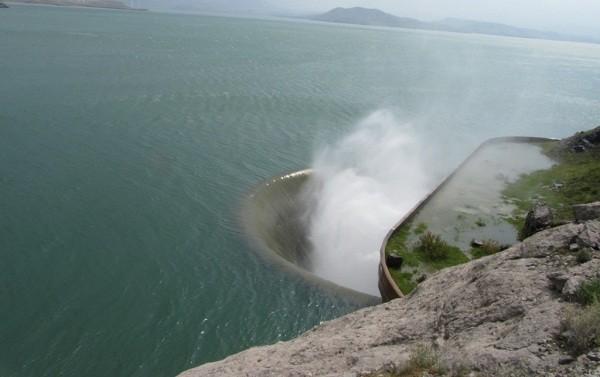 سرریز شدن آب سد سفیدرود و برنامه ریزی برای نوبت بندی آب