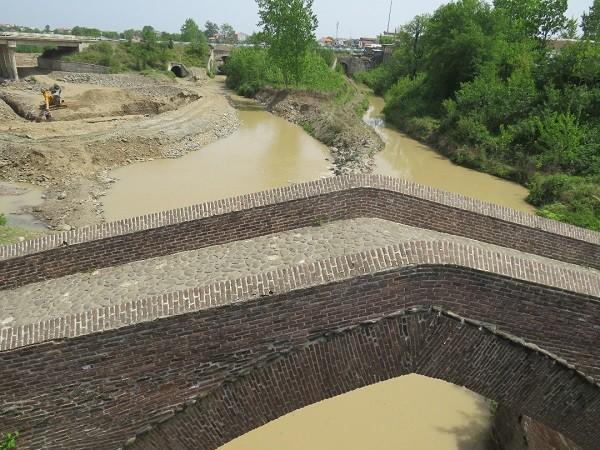 ۹۵ درصد از سردهنه های رضوانشهر بازسازی ، لایروبی و آبگذاری شده اند