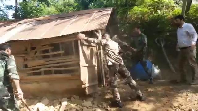 تخریب بنای غیرمجاز در یکی از روستاهای فومن