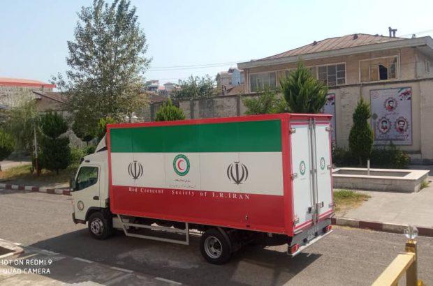 اهدای بسته های بهداشتی از سوی مجمع خیرین گیلان در راستای اجرای طرح نذر آب ۴ در شهرستان فهرج استان کرمان