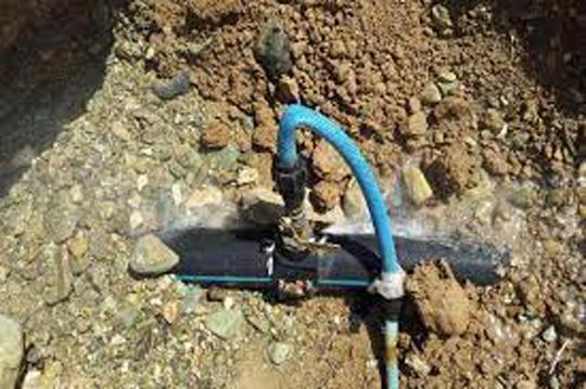 انشعابات غیرمجاز باعث آلودگی و کاهش طول عمر شبکه توزیع آب می شود