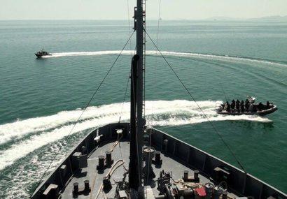 رزمایش جمهوری آذربایجان در دریای کاسپین با مشارکت ناوها و نیروهای ویژه دریایی